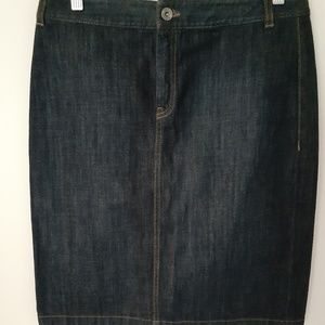 Banana republic  mid blue jean skirt size 6
